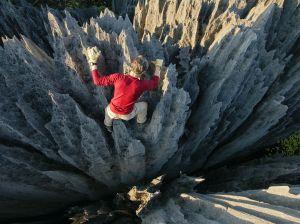 tsingy-climbing-alvarez_52783_990x742