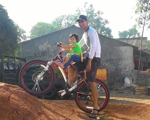 Gowes_with my daughter_3